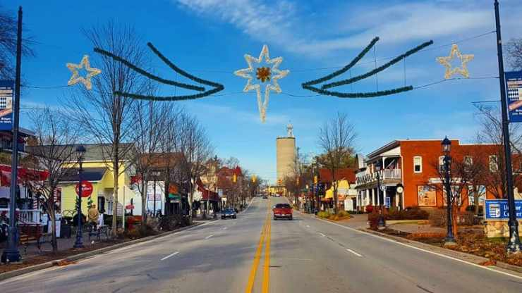 Frankenmuth Holidays Outdoors - The Awesome Mitten