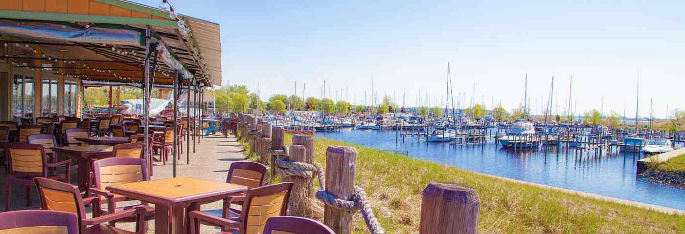 7 Must-See Boater Friendly Restaurants