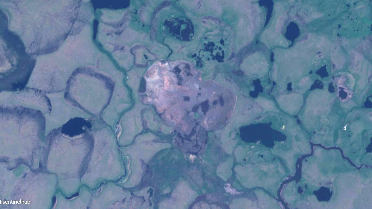 Sentinel-2 Satellitenbild eines Frisch drainierten Thermokarstsees auf der nördlichen Seward Halbinsel in Nordwestalaska. Aufnahmedatum: 3. Juli 2018.