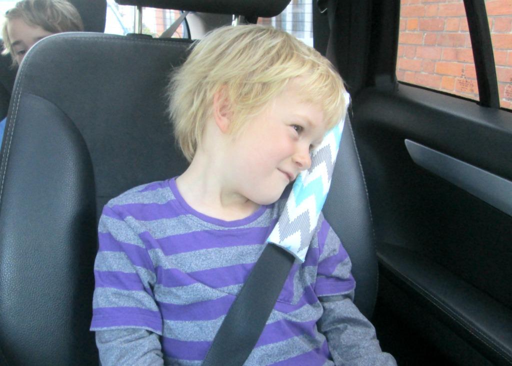 Easy Child S Travel Pillow Tutorial