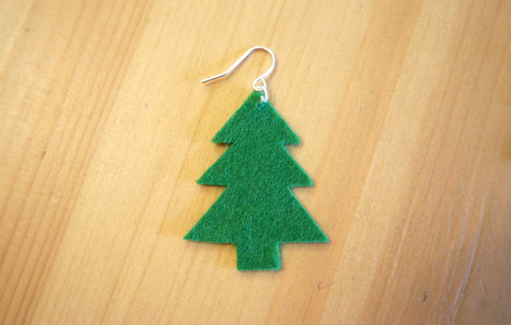 very easy diy christmas earrings christmas tree earrings tutorial how to