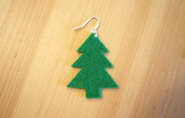 Very Easy DIY Christmas Earrings Tea And A Sewing Machine - Make Christmas Tree Earrings