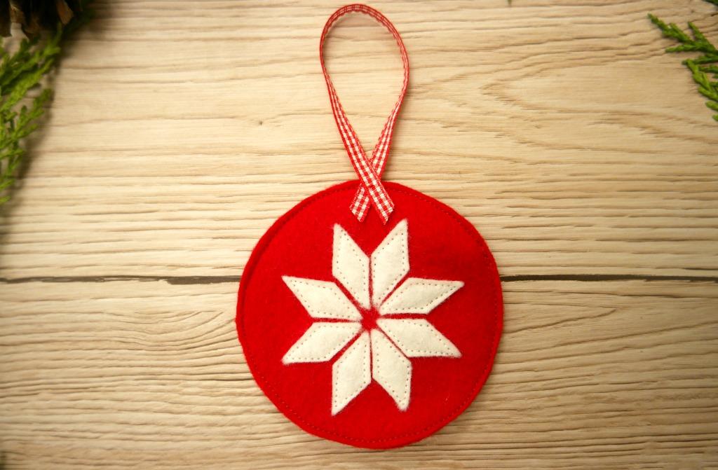 DIY Scandinavian Style Christmas Decorations
