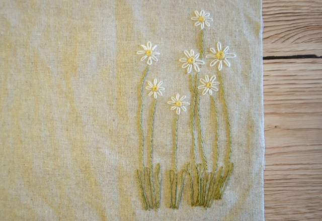 how to sew lazy daisy stitch