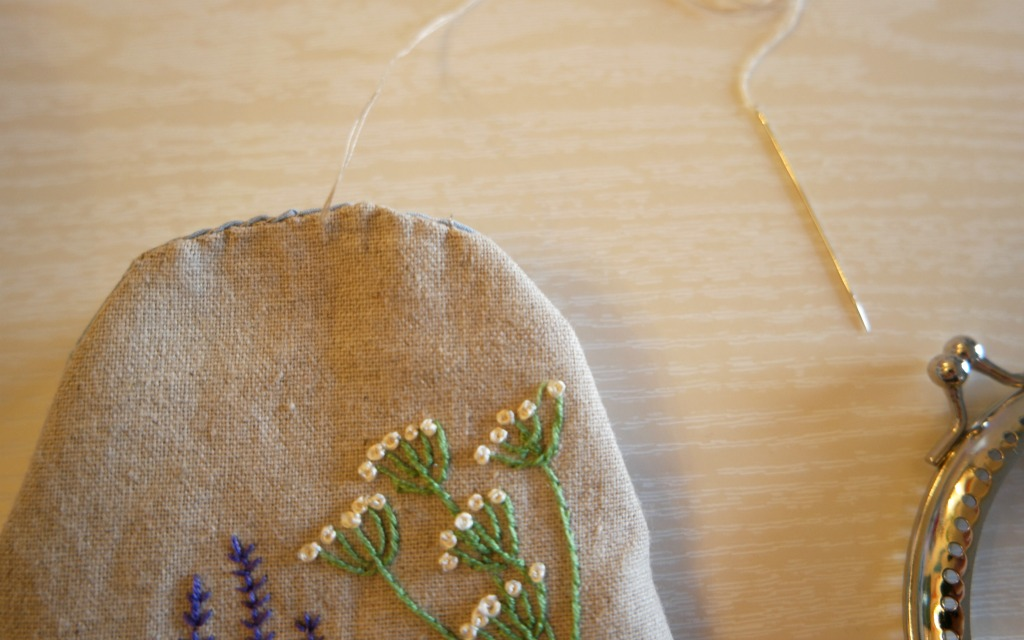 how to sew in a purse frame