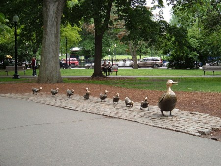 Make Way for Ducklings statue by Nancy Schön in Boston Common