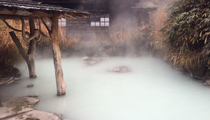best hot spring hotels in shirakawa