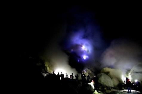 Volcan Kawah Ijen Indonesia - Como viajar indefinidamente - Entrevista a Claudia Rodriguez Solo Ida - A World to Travel
