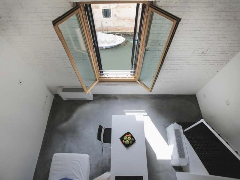 10. we-crocifer-venezia-room - Cool Hostels in Europe for Couples - A World to Travel
