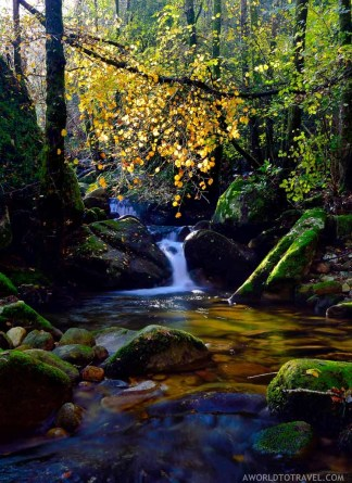 Queda de Agua do Ribeiro de Sampaio - Cinfaes - Montanhas Magicas Road Trip - Portugal - A World to Travel (5)