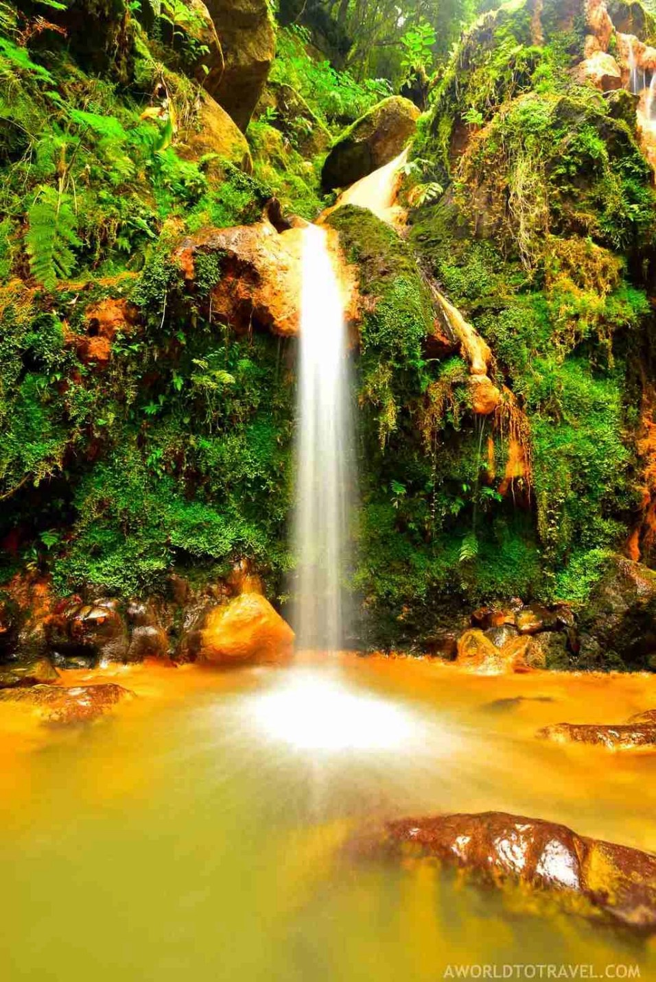 Caldeira Velha - Best Photography Locations in Sao Miguel - Azores Road Trip - A World to Travel (63)