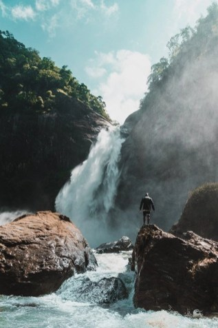 Dunhinda Falls - All You Need To Know To Travel Sri Lanka On A Budget - A World to Travel