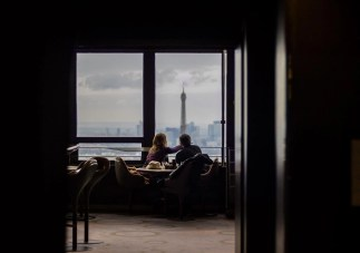 Paris hotel room - Useful French Conversation Phrases for Travelers - A World to Travel