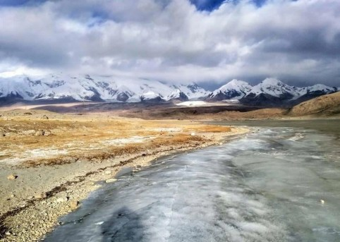 Karakoram - China - Silk Road Travel - A Central Asia Overland Trip - A World to Travel