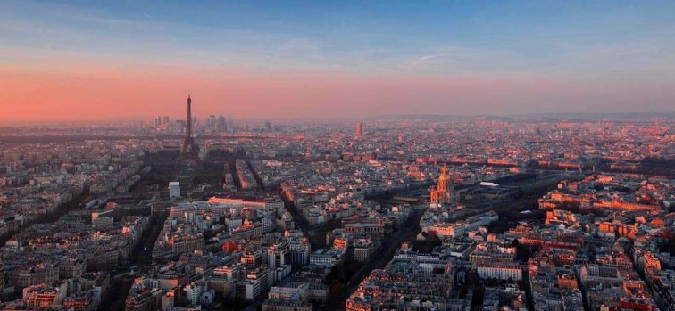 Paris pink sunset - Architecture Lover's Guide to Photographing Paris - A World to Travel