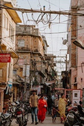 Colorful streets - Fun Budget Things To Do In Jaipur - A Budget Guide To The City - A World to Travel