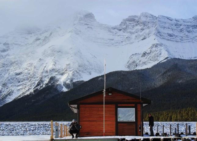 Minnewanka Lake - Banff Travel Guide - A World to Travel