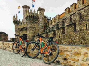 Etapa 2 - Astorga Ponferrada - Camino en bici - A World to Travel (5)