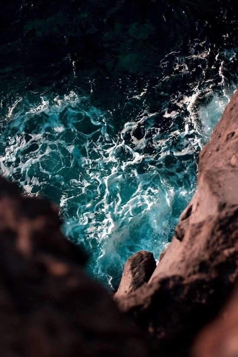 Heart shaped sea foam - Canary Islands - Spain - Smart island photography tips - A World to Travel