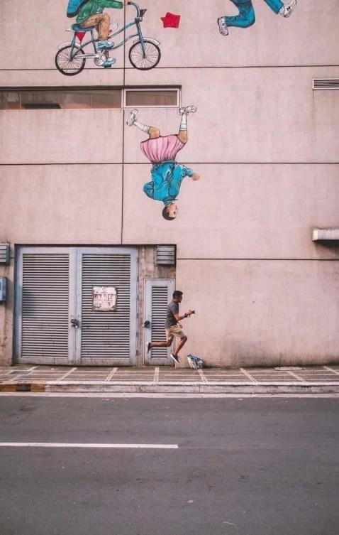 Bonifacio street art - Philippines Beginners Guide - A World to Travel