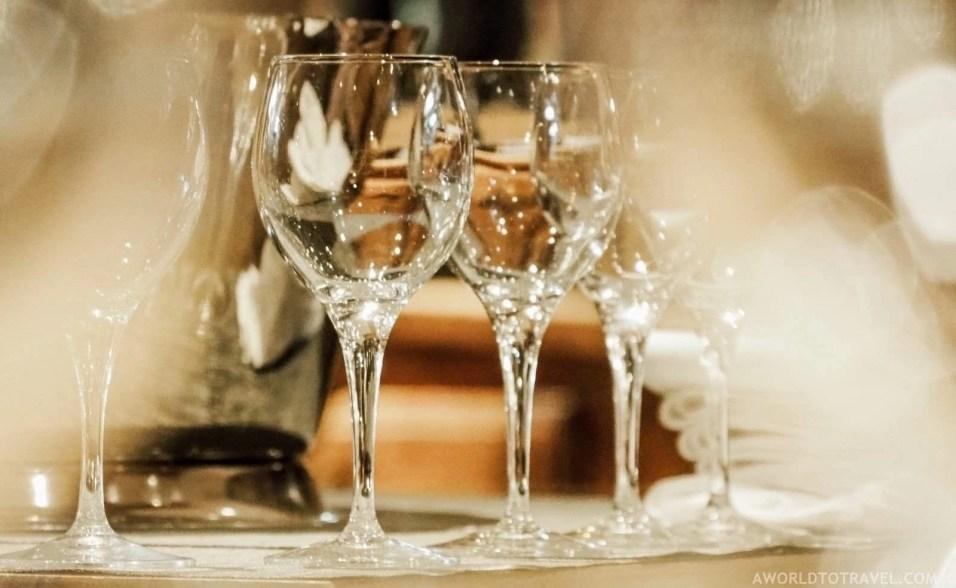 Bar Restaurant Le Saint Nicolas Megeve - A World to Travel (3)