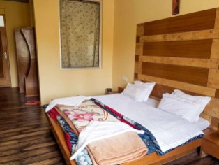 Room at Gangba Homestay in Leh - Where to sleep in Leh Ladakh India