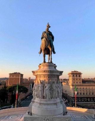 Bronze statue of King Vittorio Emanuele II and Quadriga on the Italian National Monument, Piazza Venezia, Rome, Lazio, Italy, Europe