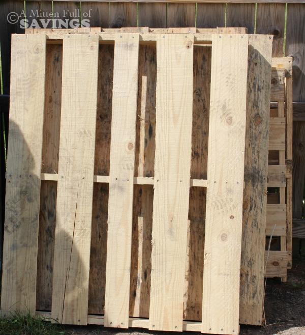 wood pallets for bar
