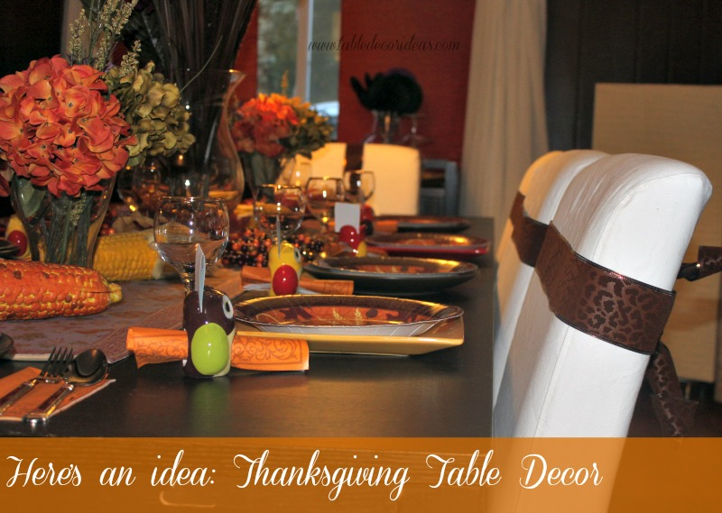 Thanksgiving Table Decor- Spruce up your Thanksgiving Table setting with this beautiful table decor idea & Easy Thanksgiving Table Decor Idea