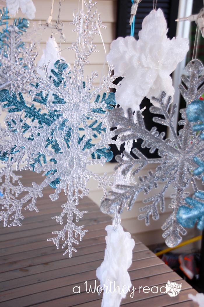 Blue & White Winter Wonderland Tablescape