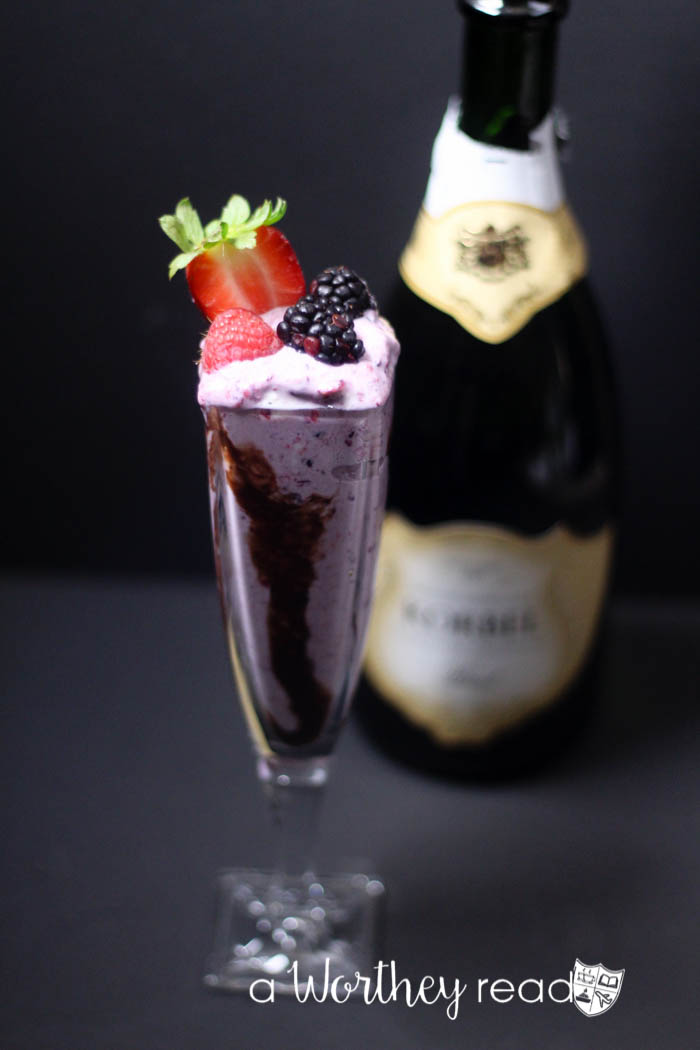 Adult Cocktail Drink for Valentine's Day- Menage à Trois Berry Cocktail