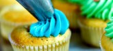Don't you wonder how expert bakers get their cookies and cupcakes to look so amazing? In order to achieve picture perfect results, you have to be trained in the culinary arts, correct? Wrong! The secret is some tricky little kitchen hacks that can turn any baked good into a work of art. Take a peek below at our top frosting tips for making your next cupcake or cake! Kitchen Hacks: 6 Frosting Tips For Every Baker Should Know