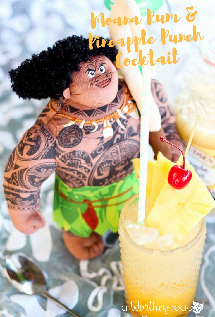 Disney's new movie, Moana is now in theaters! Kick it off with a Moana Rum & Pineapple Punch Cocktail and also a mocktail version.