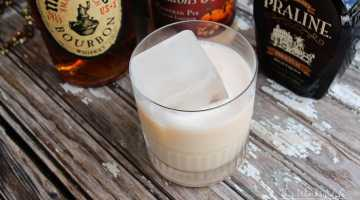 Get cozy with a chilled fall cocktail, using only three ingredients, including pumpkin pie, pecan liqueur, and bourbon.Praline + Whiskey Pumpkin Pie Cocktail
