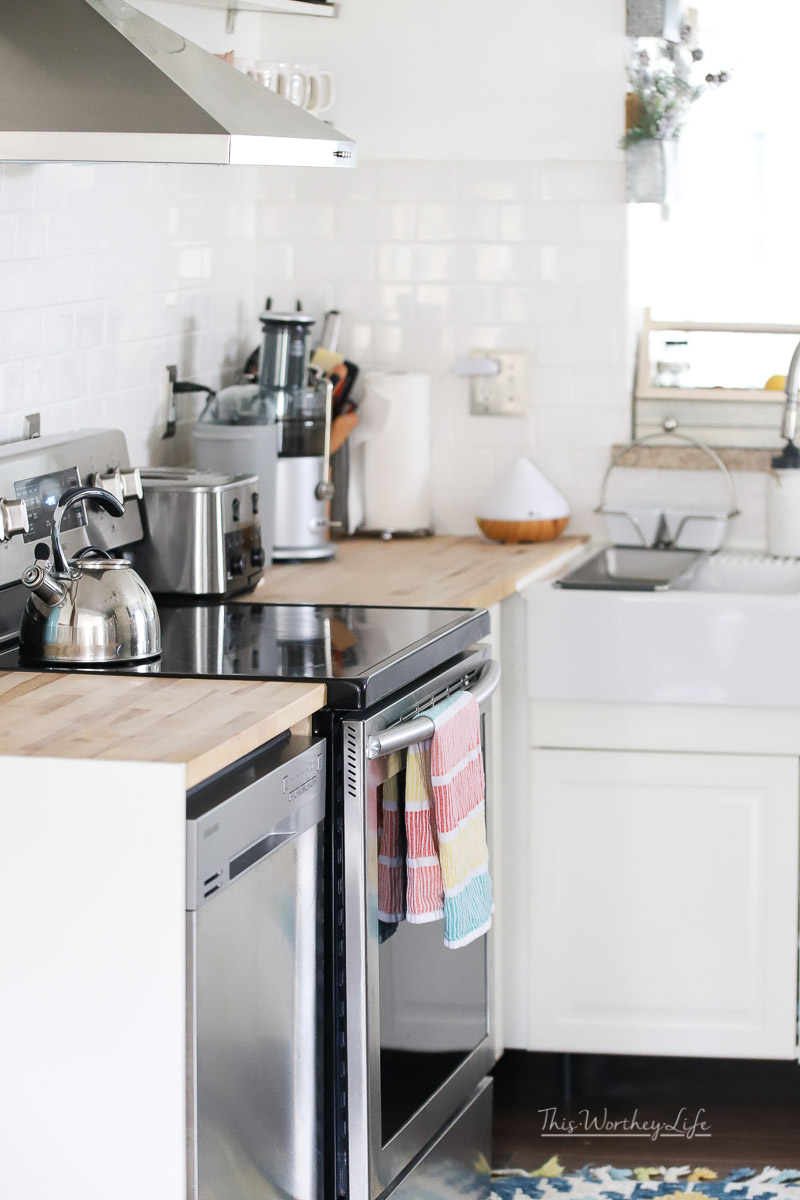 How to spring clean in your kitchen in several easy steps
