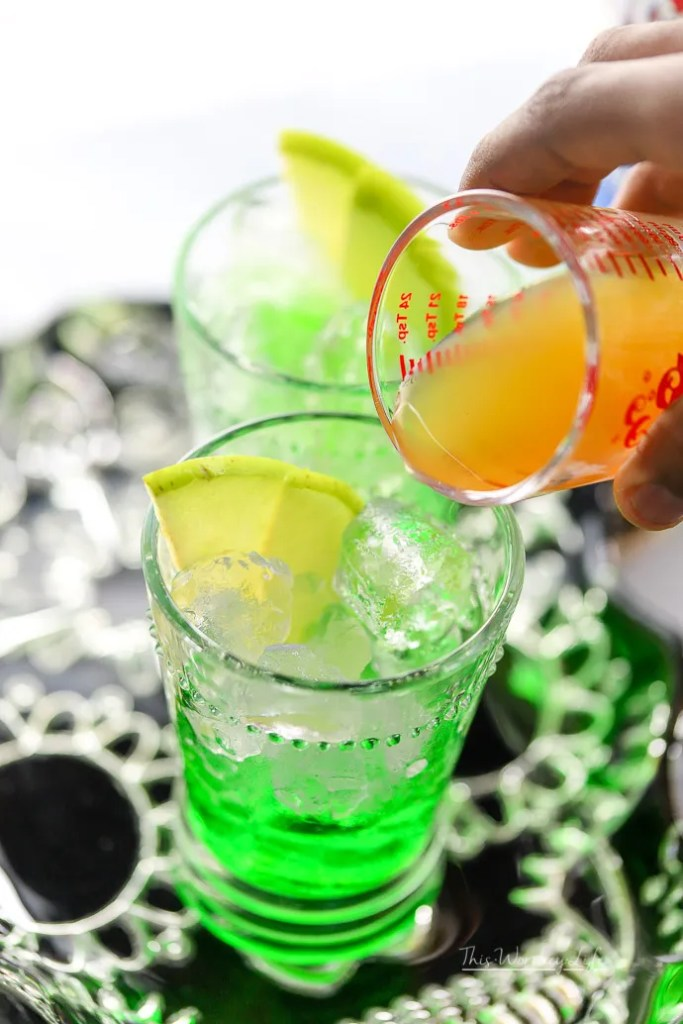 With the fall weather just around the corner, it's a great time to start planning for upcoming Halloween parties and Halloween fun! Kids and adults will love our Green Apple Cider Lemonade because it represents a fun Halloween drink with the green tint, plus lemonade and of course, apple cider!