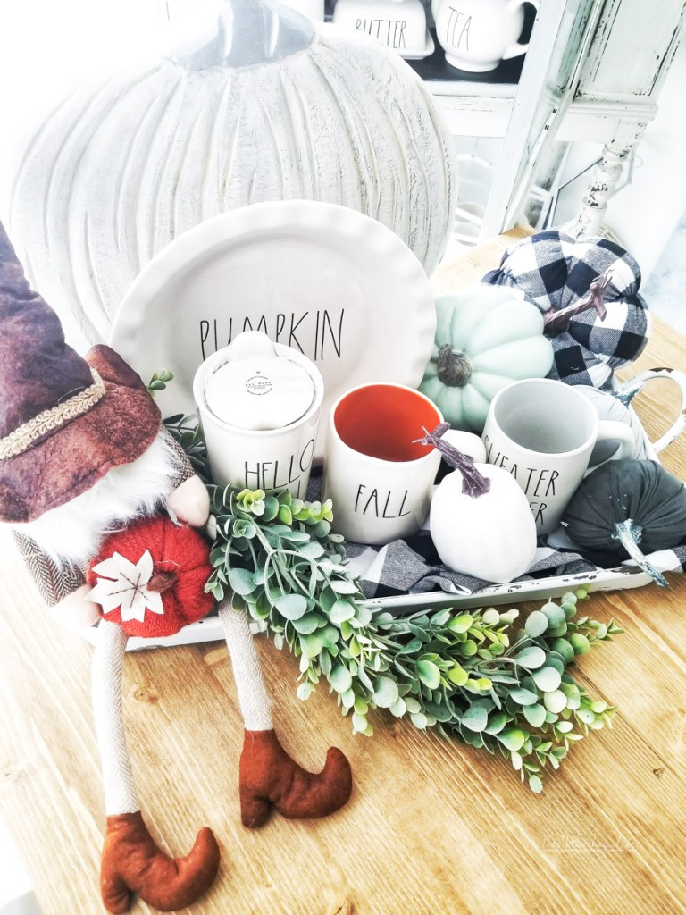 How to decorate for fall with Rae Dunn items