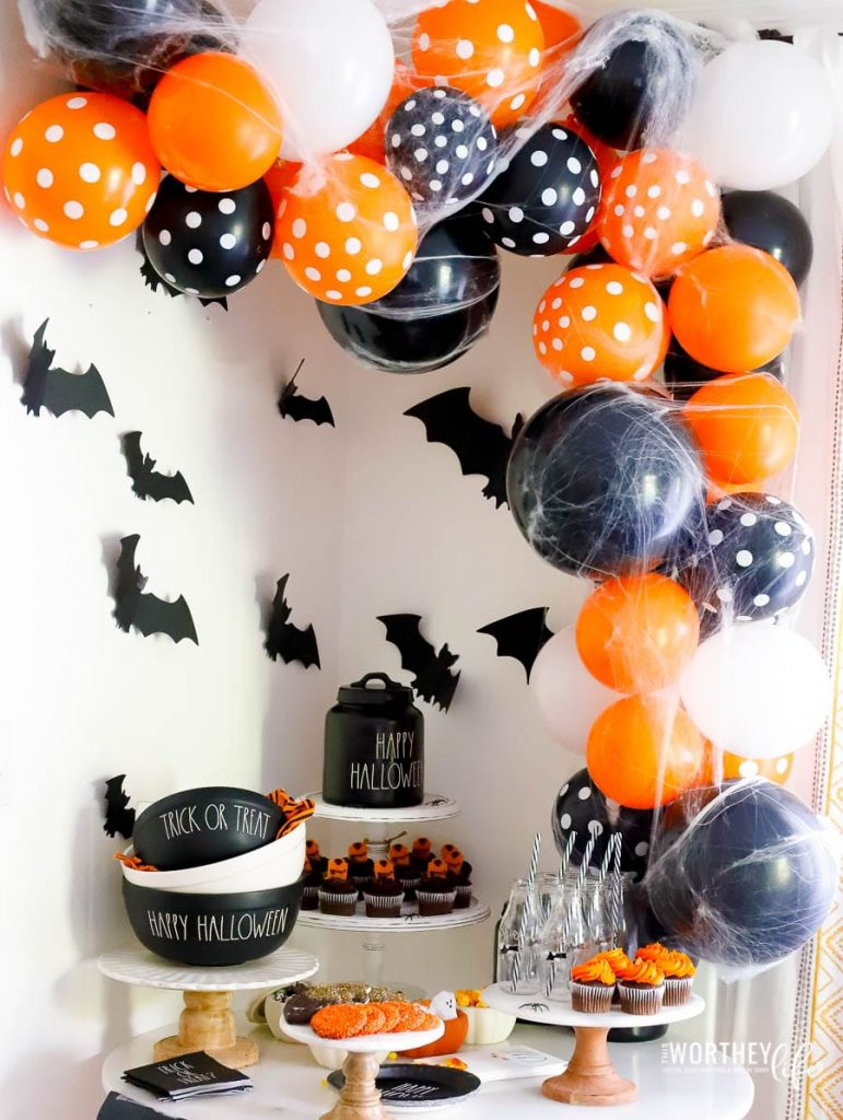 Halloween Balloon Arch