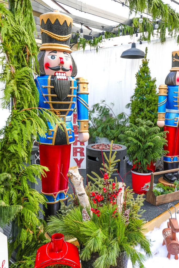 outdoor nutcrackers for decorating