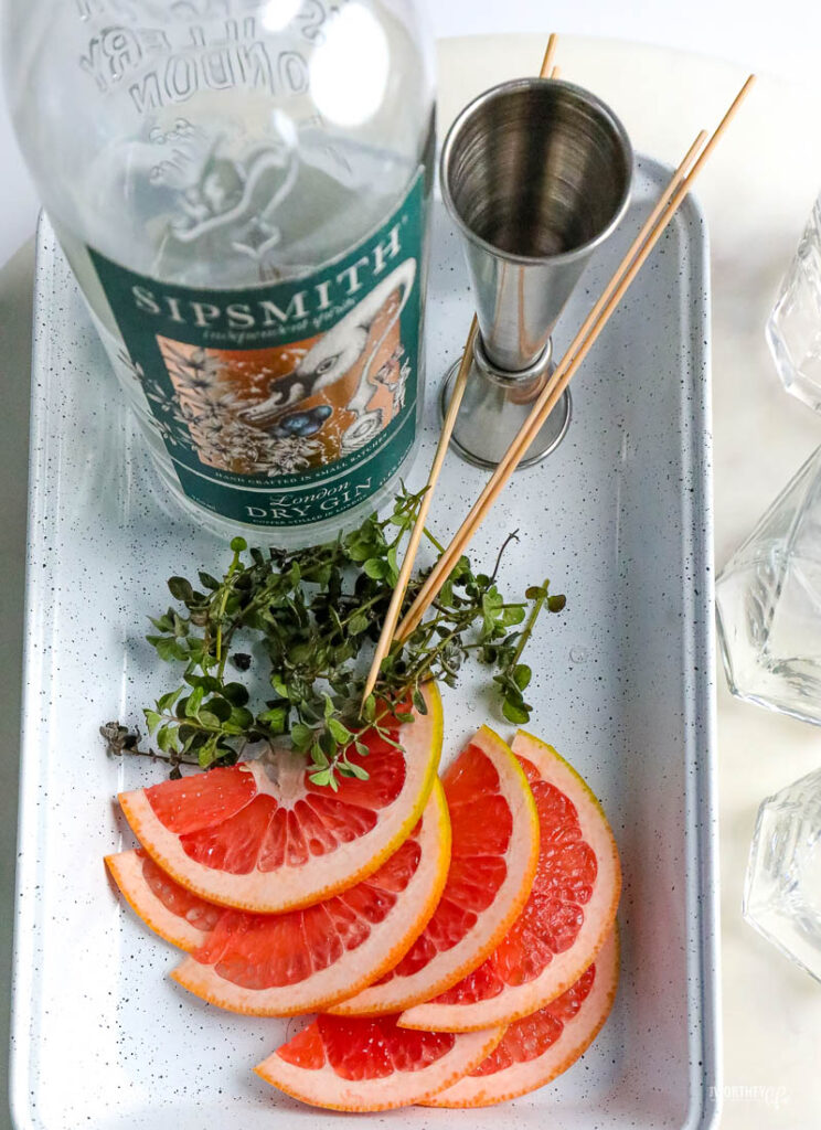 sip smith dry gin with fresh grapefruit