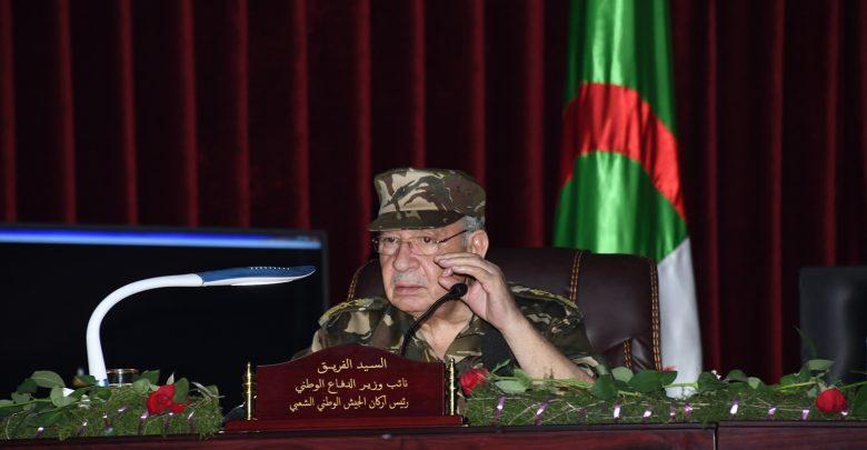 الفريق أحمد قايد صالح: لا لمسك العصا من الوسط
