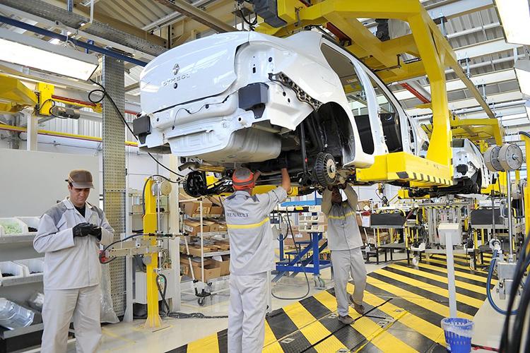 """تركيب السيارات ... ارتفاع استيراد """"SKD"""" خلال ستة أشهر بـ 26.55 مليون دولار"""
