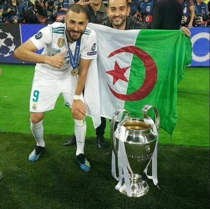بن زيمة رفقة العلم الجزائر في نهائي دوري الابطال