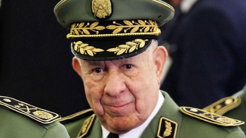 شنقريحة يترأس اجتماعا لإطارات وزارة الدفاع