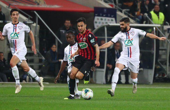 أوناس يُزاحم أفضل لاعبي الدوري الفرنسي