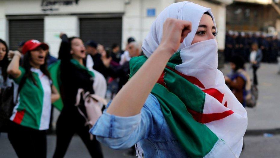 في اليوم الوطني للطلبة.. بلحيمر يهنأ الطلبة ويشيد بدورهم