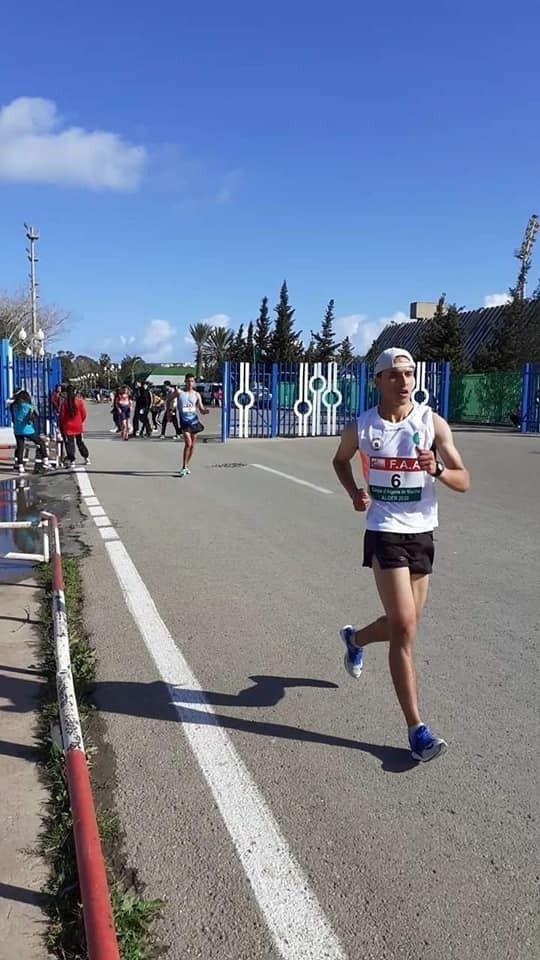 بطل المشي الجزائري عثمان شيباني