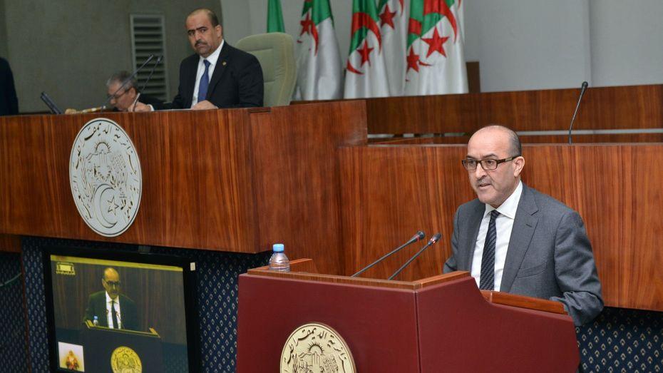 وزير الداخلية يكشف بالأرقام حصيلة العنف داخل الملاعب