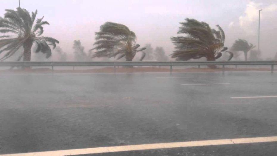 رياح قوية وأمطار غزيرة على هذه الولايات