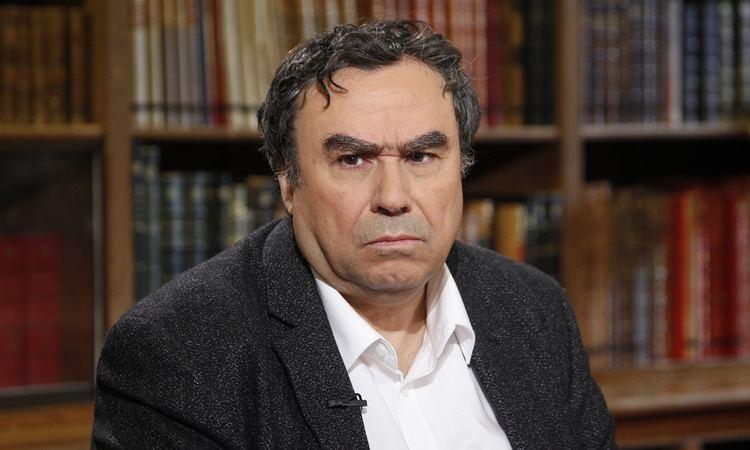 بنيامين ستورا يتوقّع حدوث انزلاقات خطيرة تجاه الجالية الجزائرية بفرنسا